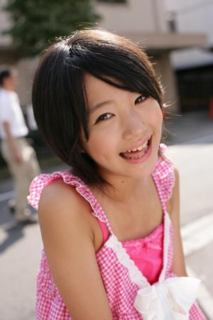 荻野可鈴さんのビキニ
