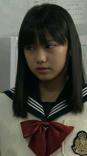 髪のアクセサリーが素敵な黒崎レイナさん
